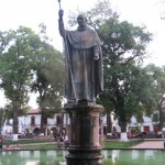 Statue in Patzcuaro plaza (2009-03-05)
