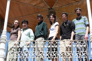 Group photo in gazebo in Acuitzio, Mexico (2009-03-03)